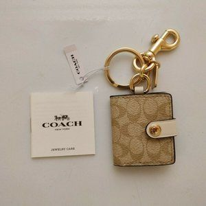 NWT COACH PICTURE FRAME BAG CHARM SIGNATURE